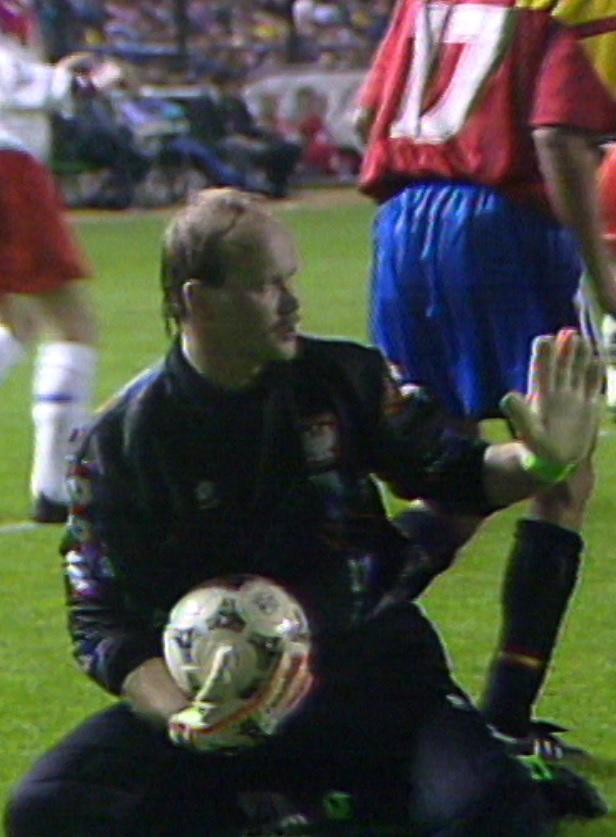 Andrzej Woźniak podczas meczu Hiszpania - Polska 1:1 (09.02.1994).