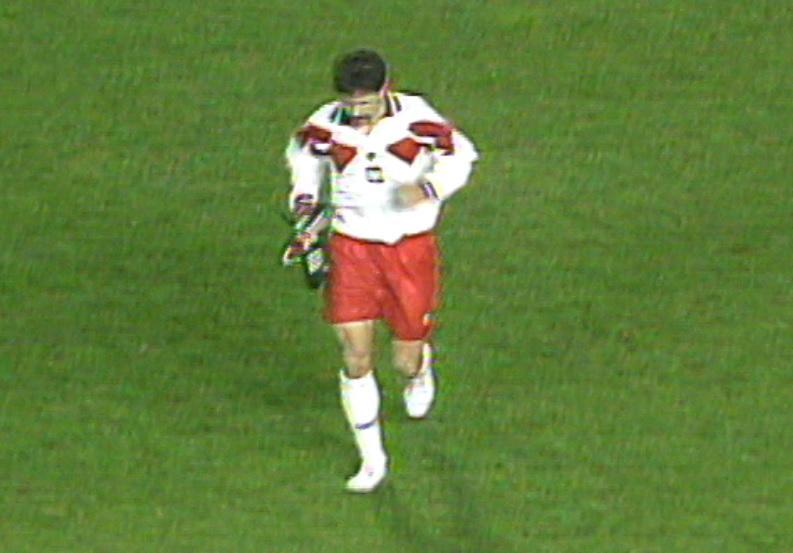 Grzegorz Lewandowski podczas meczu Hiszpania - Polska 1:1 (09.02.1994).
