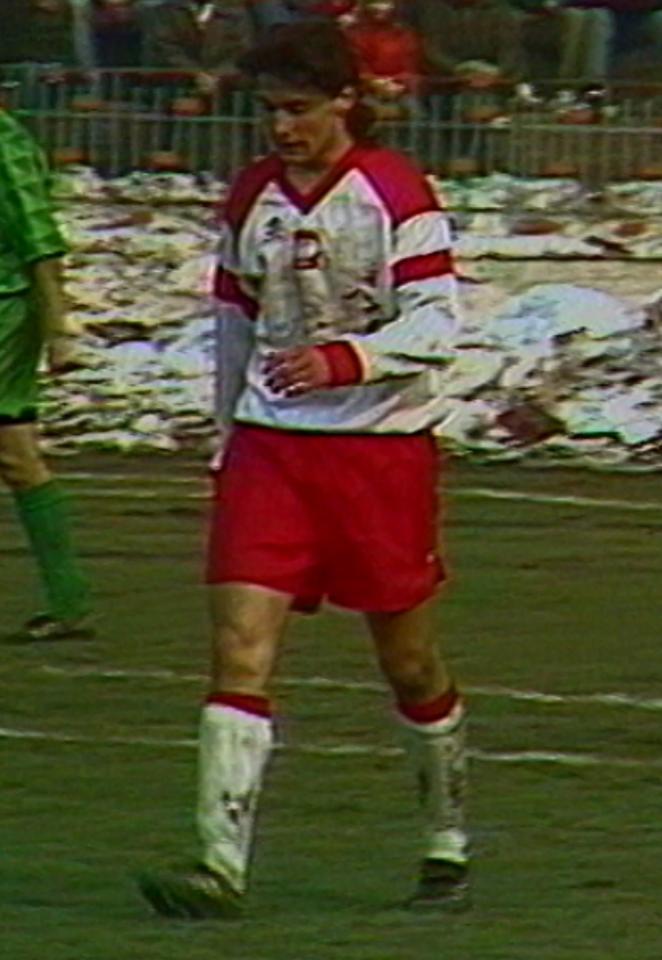 Piotr Świerczewski podczas meczu Polska - Litwa 1:1 (31.03.1993).
