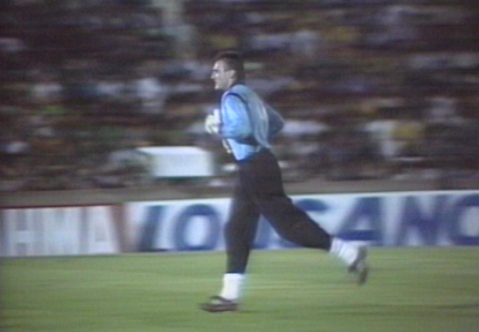 Adam Matysek podczas meczu Brazylia - Polska 2:2 (17.03.1993).