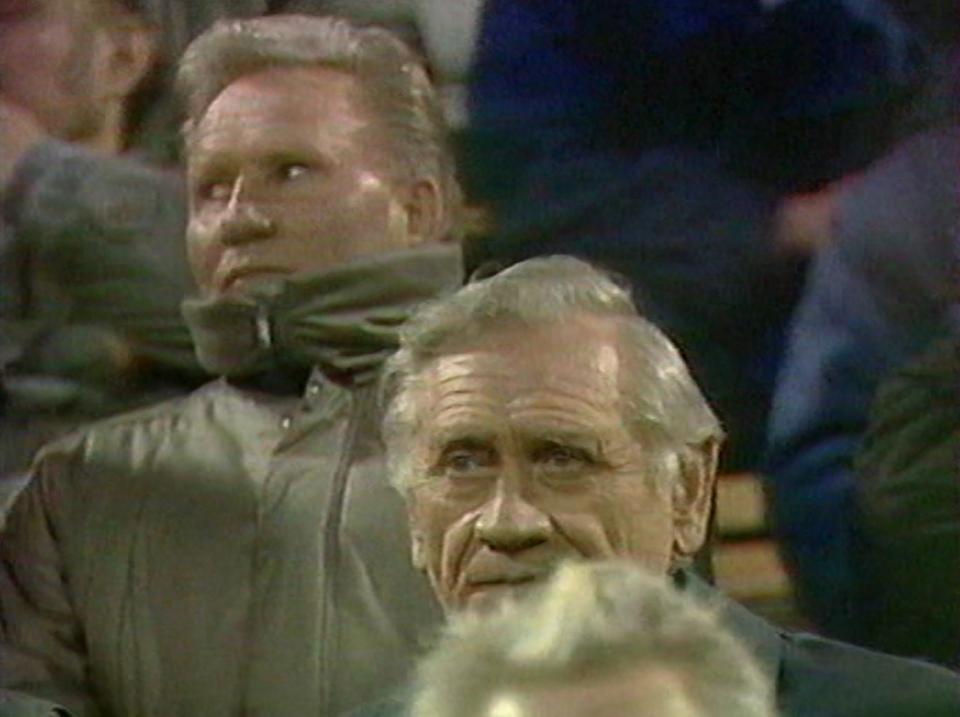 Ryszard Kulesza i Kazimierz Górski podczas meczu Polska - Jugosławia 0:0 (28.03.1990).