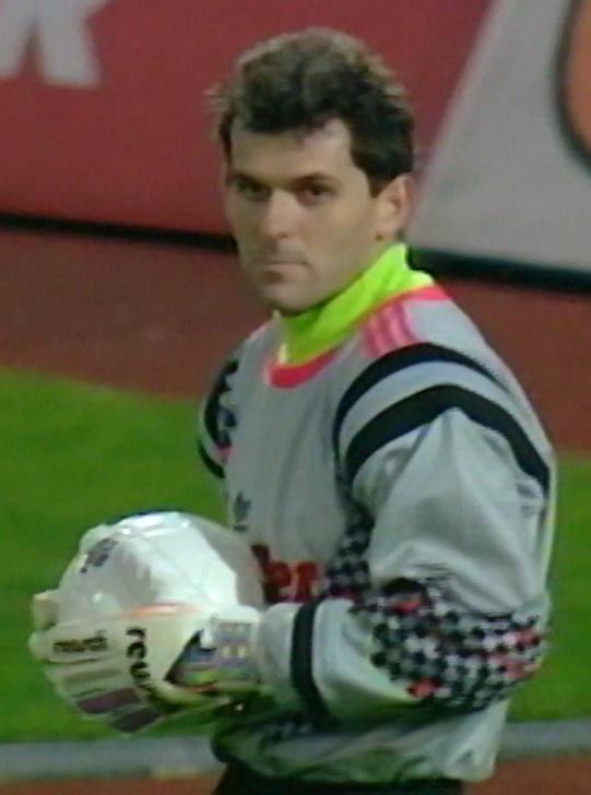 Piotr Wojdyga podczas meczu Eintracht Frankfurt - Widzew Łódź 9:0 (30.09.1992).