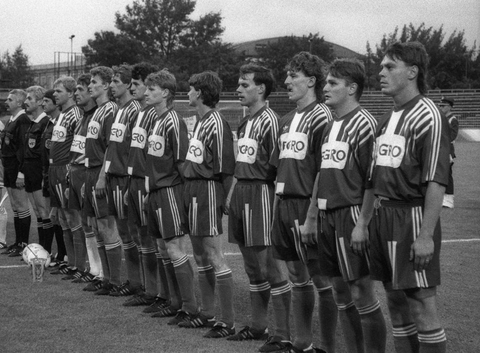 Piłkarze Górnika Zabrze przed finałowym meczem o Puchar Polski w sezonie 1991/1992.