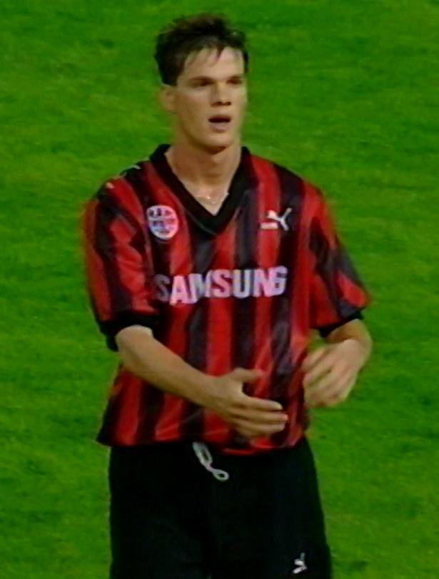 Dirk Wolf podczas meczu Eintracht Frankfurt - Widzew Łódź 9:0 (30.09.1992).