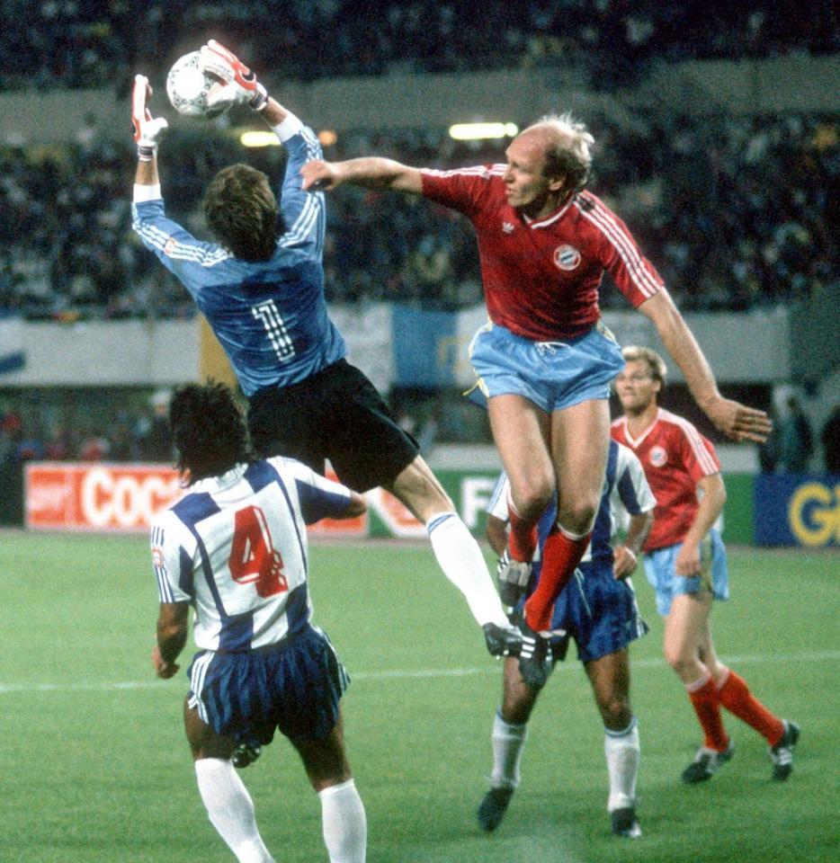 Józef Młynarczyk podczas finału Pucharu Europy 1987 FC Porto-Bayern 2:1.