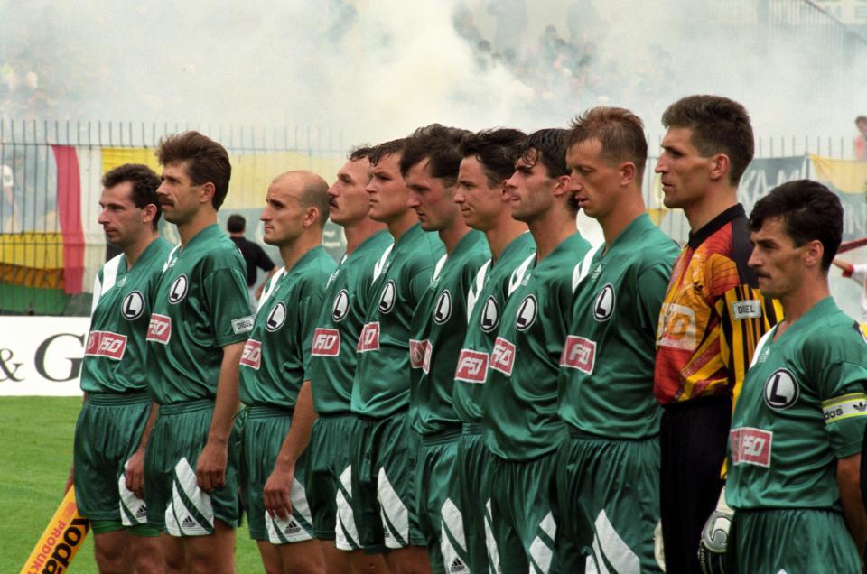 Drużyna warszawskiej Legii przed finałowym meczem Pucharu Polski 1994/1995.