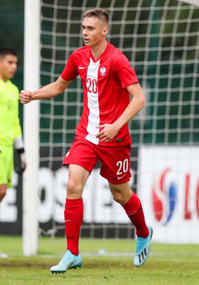 Szymon Włodarczyk podczas meczu Polska - Szwajcaria 4:1 U-17 (08.09.2019).