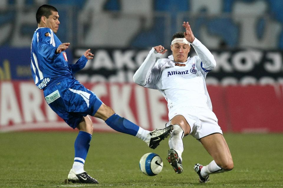 Hernán Rengifo i Tomasz Hajto podczas meczu Górnik Zabrze - Lech Poznań (24.02.2008 roku).