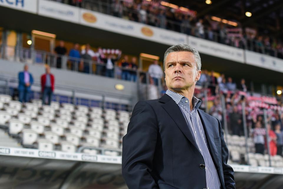 Krzysztof Warzycha jako trener Ruchu Chorzów.