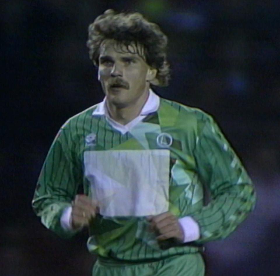 Piotr Czachowski podczas meczu Manchester United - Legia Warszawa 1:1 (24.04.1991).