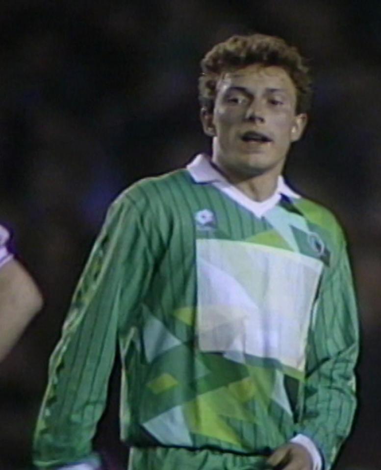 Wojciech Kowalczyk podczas meczu Manchester United - Legia Warszawa 1:1 (24.04.1991).