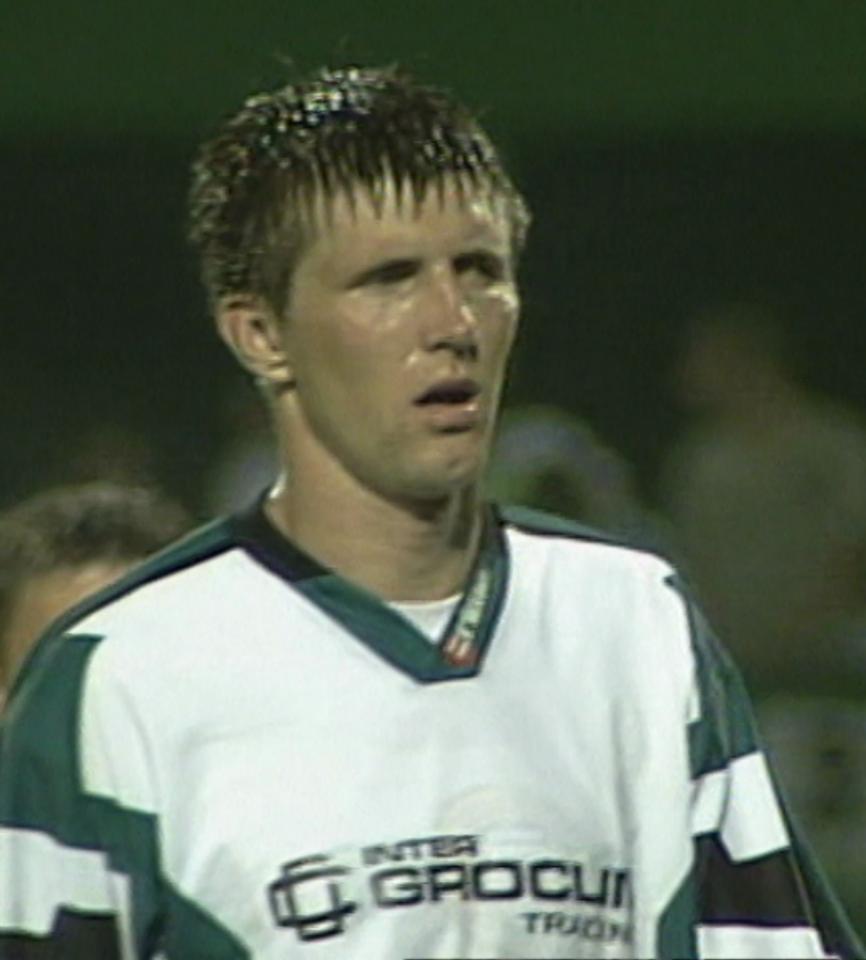 Grzegorz Rasiak podczas meczu Groclin Dyskobolia Grodzisk Wlkp. - Atlantas Kłajpeda 2:0 (14.08.2003).