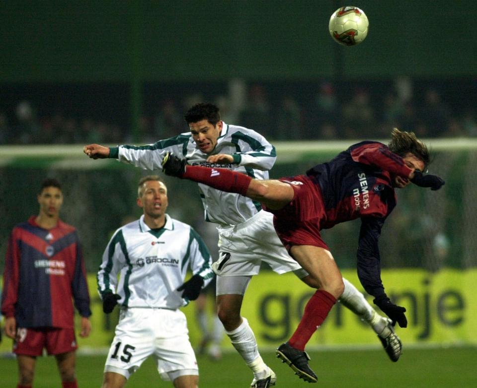 Piotr Piechniak podczas meczu Groclin Dyskobolia Grodzisk Wielkopolski - Girondins Bordeaux 0:1 (26.02.2004).