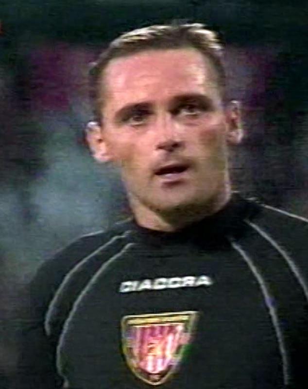 Amica Wronki - Honved Budapeszt 1:0 (12.08.2004) Miklos Herczeg