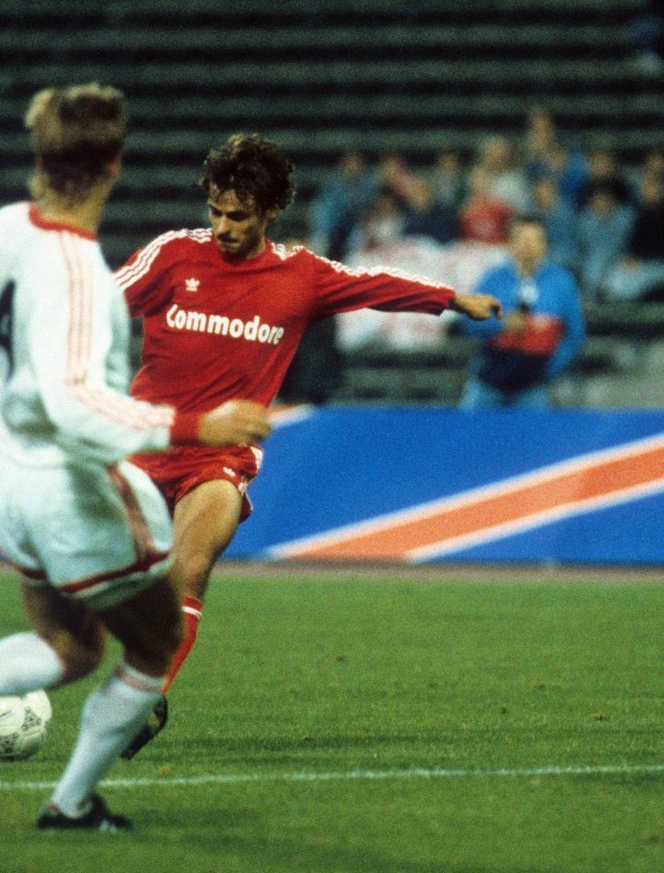 Olaf Thon (Bayern Monachium - Legia Warszawa 3:1, 07.09.1988).