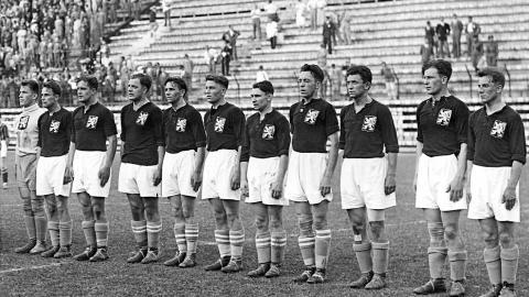 Reprezentacja Czechosłowacji przed meczem mistrzostw świata 1934 z Włochami w Rzymie.