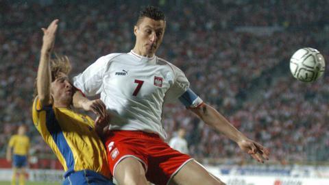 Tomasz Hajto podczas meczu Polska - Szwecja 0:2 (10.09.2003).
